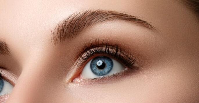 womans eyelid result after blepharoplasty